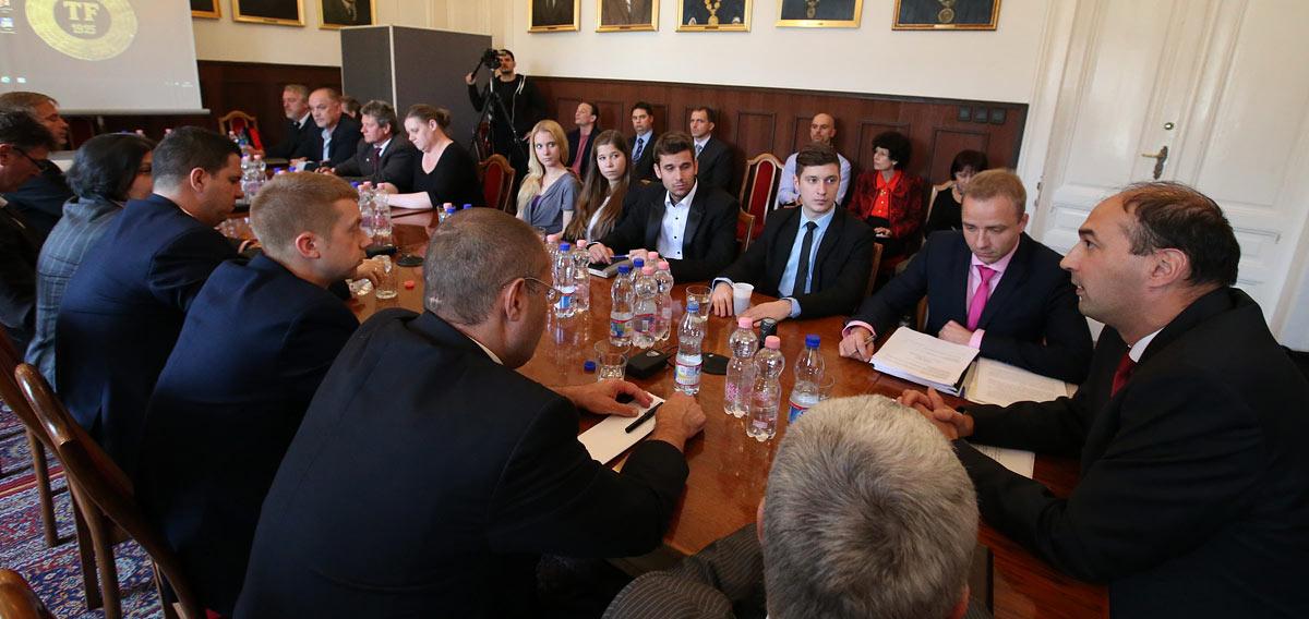 A TF Szenátusa meghallgatja a rektorjelölteket