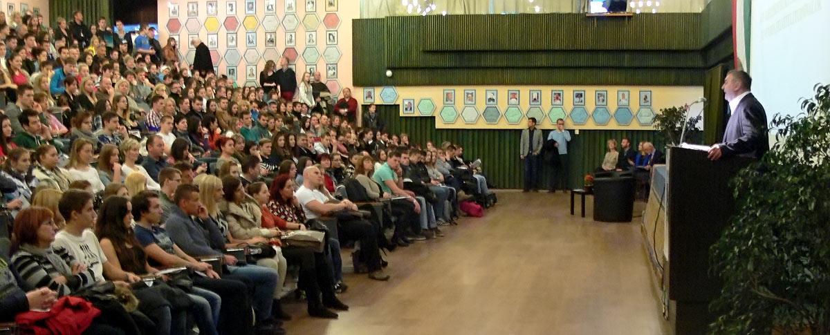 Több százan vettek részt a Nyílt Napon
